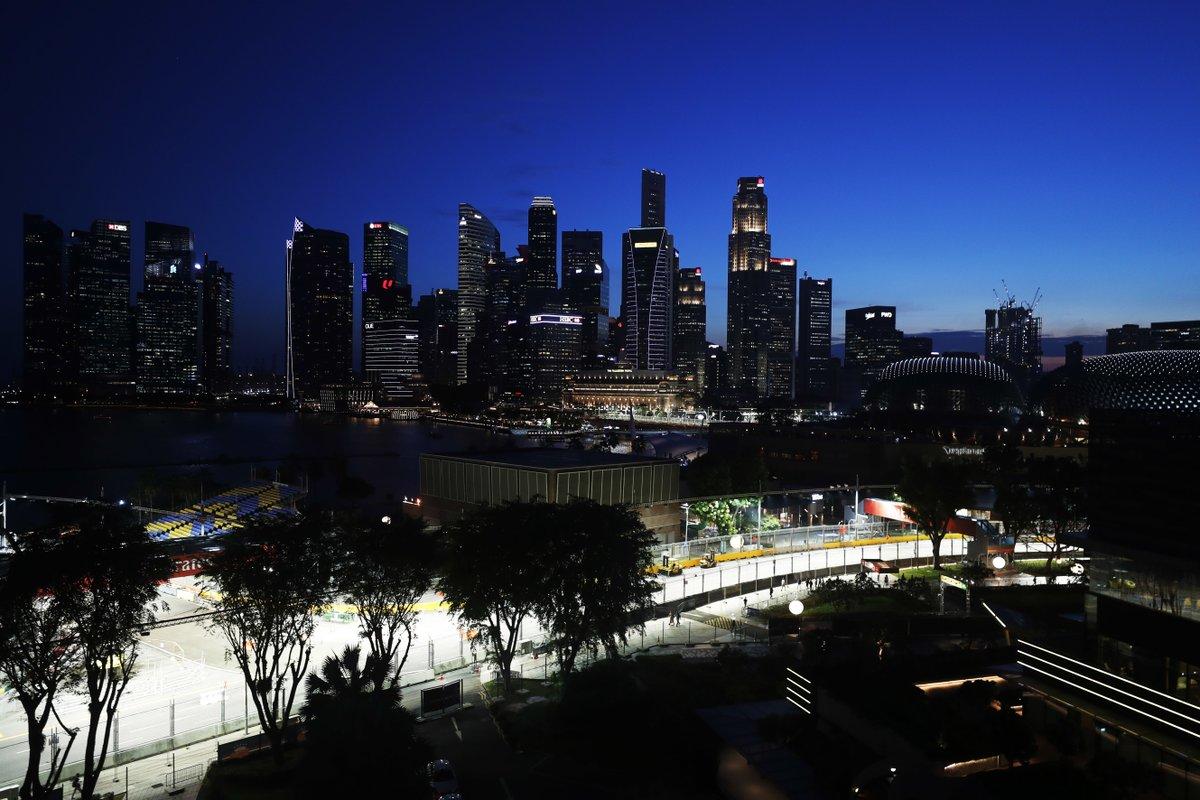 De organisatie achter de Grand Prix van Singapore zegt dat het niet haalbaar is om een race achter gesloten deuren te houden. #f1nieuws https://t.co/ZRlI0SKH97 https://t.co/pB37qYP8js