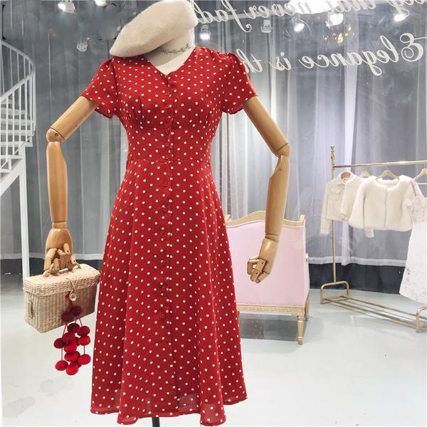 What''s not to like about this Vintage 80s French Style Polka Dot Button Up Midi Dress • https://shortlink.store/A-tGg0OBoB   tarting @   #klozetstyle #style #fashionpic.twitter.com/Rg1S5sdXyk