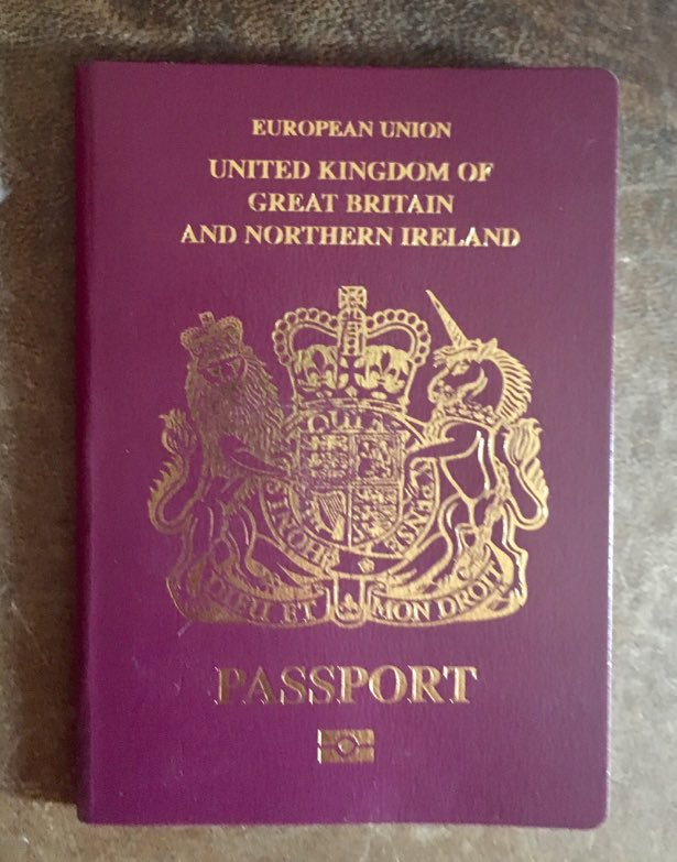 I'd rather have a burgundy coloured EU passport than a blue coloured UK-only passport. I'd rather be an internationalist than an isolationist. Please retweet if you agree.