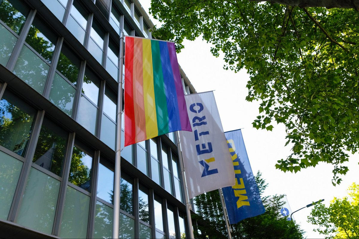 Christian Baier, CFO of METRO: 'We strive to give all people an environment that is free of discrimination. No one should suffer from their sexual orientation or gender identity. Diversity, inclusion and respect are important pillars for our future success.' #Idahobit2020 🌈/ah https://t.co/Q3tzy3hNL6