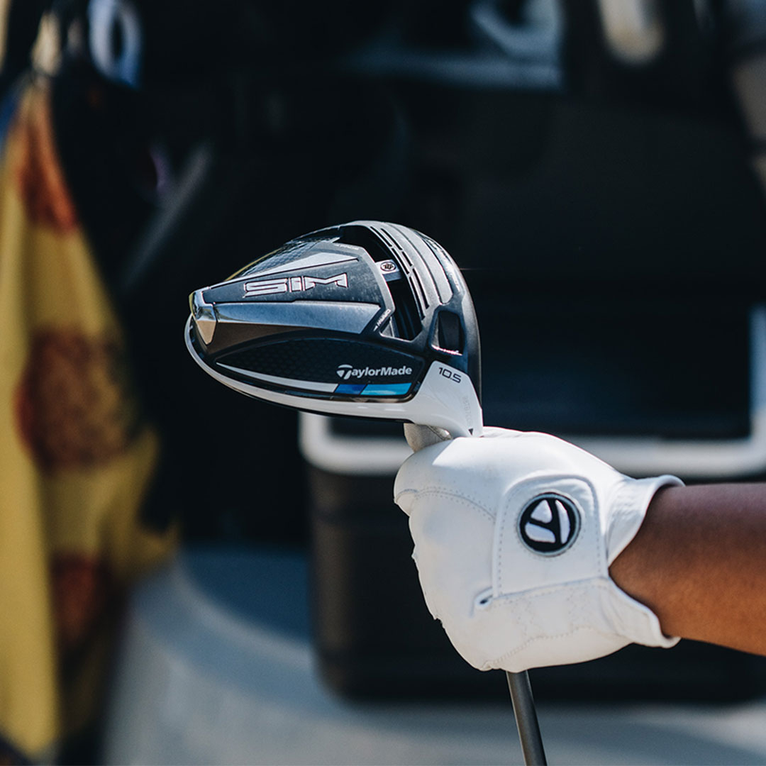 🚨WIN 🚨Wolff went long at TaylorMade's #DriveRelief so now its your chance to win a SIM or SIM MAX Driver  👉 Like, RT, Follow + Comment which driver you'd like to win! 📱Enter on our IG/FB too! 📱 Winners are drawn from Twitter or IG or FB on 01/06/20  #LetsGetGolfReady #SIM https://t.co/Yip5lcGvn5