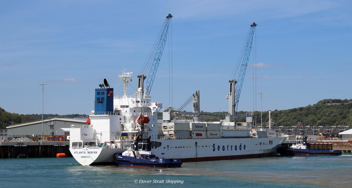 Another sunny weekend and another shipment of #freshproduce for the Port of Dover #Cargo team, as MV. Atlantic Reefer berths in the new terminal facility #logistics #shipping #freight #supplychain #coldchain