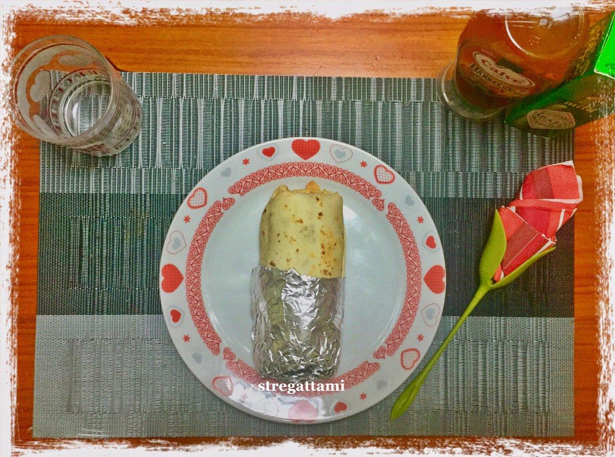 """Oggi nella mia cucina ho preparato il """"Burger Burrito"""" versione stregattami#NellaMiaCucina #RecipeOfTheDay #Food #recipe #ricettadelgiorno #madeinhome #cheflife #iorestoacasaecucino #ricette #andratuttosuifianchi #QuarantineAFood #18maggio #18May #accadeoggi #burgerburritopic.twitter.com/YjkI5U7itr"""