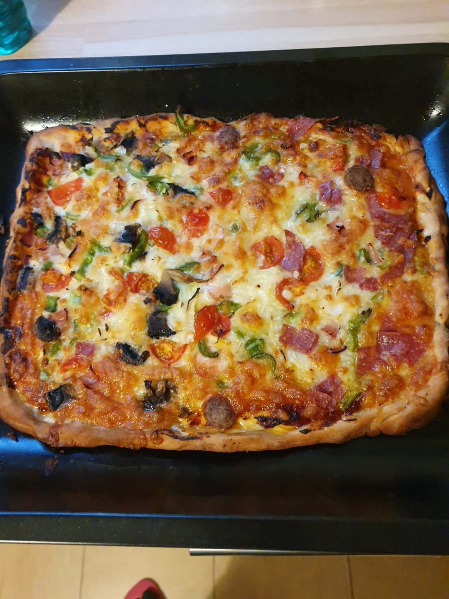 ICYMI: Thanks to @BrewBirdCo bringing fresh food to people in London that really need help during lockdown, theyve made delicious meals like this pizza! tinyurl.com/qkojk2f #CoronaVirus #charity #RateMyPlate