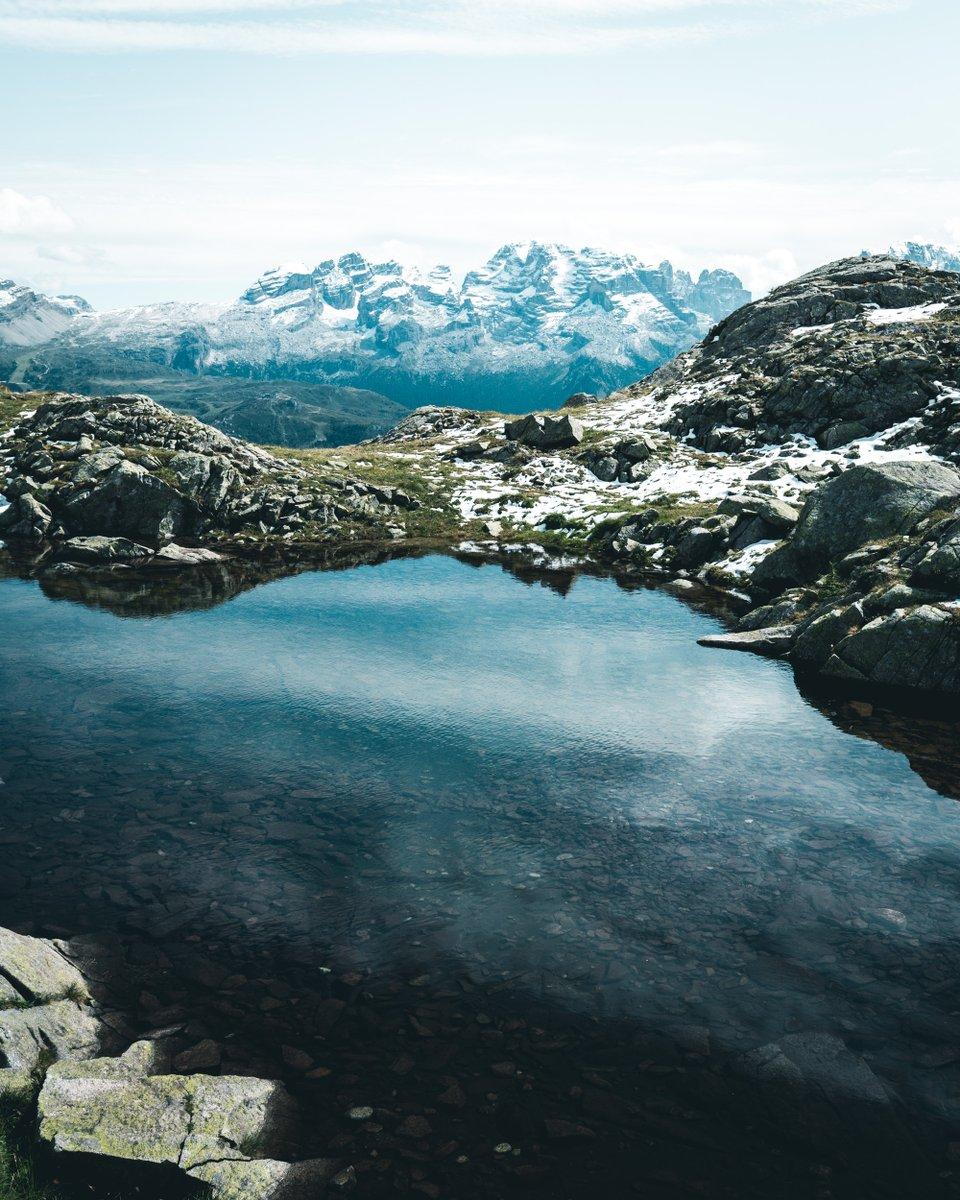 #Wanderlust is taking over. In desperate needs of #mountains! pic.twitter.com/c3YkP1kV71