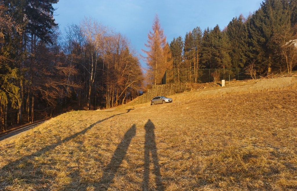 I thought the most beautiful thing in the world must be shadow  #shadows #mostbeautiful #faakamsee #austria #kärnten #tinyhomes #goodvibepic.twitter.com/LTeTZKliO7