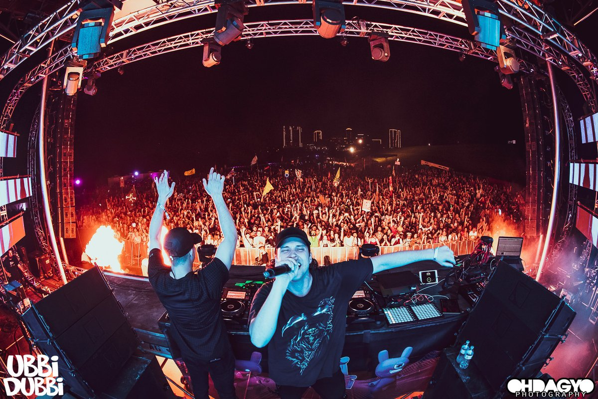 Dubbi: Can we talk about how EPIC @SlanderOfficial was on my stage?! 🔥 📸: @ohdagyo https://t.co/NzXGPSjFtd