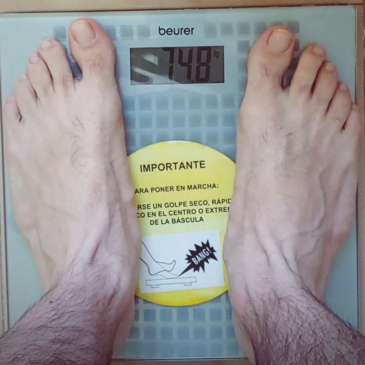 Wide #feet. #mensfeet #men #toespic.twitter.com/WEDviNDU6z