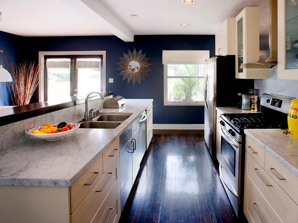 Choosing #kitchen countertops is a big decision! Here's a breakdown of the different options. #renovation  http://cpix.me/a/97632508pic.twitter.com/XMUl6uukLC