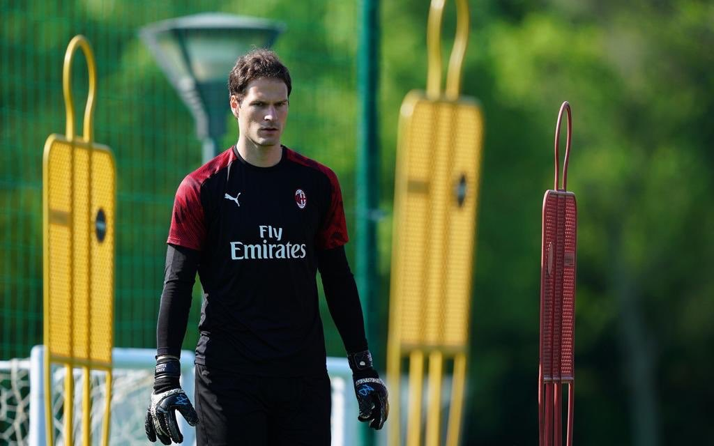 Another week of work ahead for @asmir1 and @acmilan  #ab1 #gk #milan #calcio #trainingpic.twitter.com/X8lolZCg8w