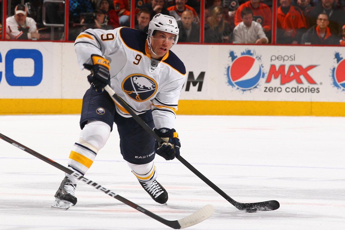 """#Sabres Classics on MSG tonight: Feb 13, '09 vs. #SJSharks, the night after Flight 3407 crash. I'll never forget Derek Roy looking me in the eye and saying: """"You're from here too. You know. There was no way we were not going to tie this game and win it for these people. No way."""" https://t.co/VkW0p1fL9X"""