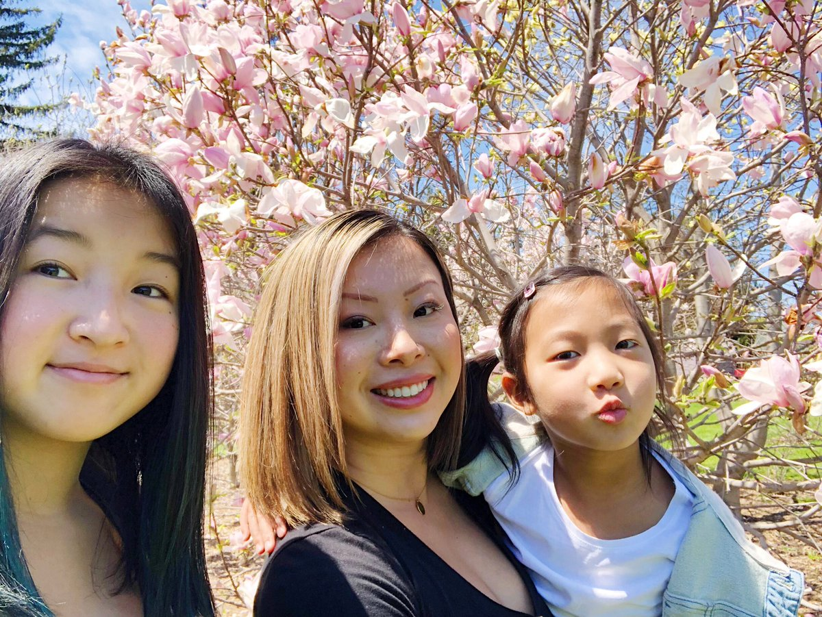 Enjoying some fresh air & beautiful magnolias.  Wishing everyone a safe & happy long weekend! #SpringisHere #VictoriaDay2020 #Ottawa<br>http://pic.twitter.com/MsvfrCjXTP