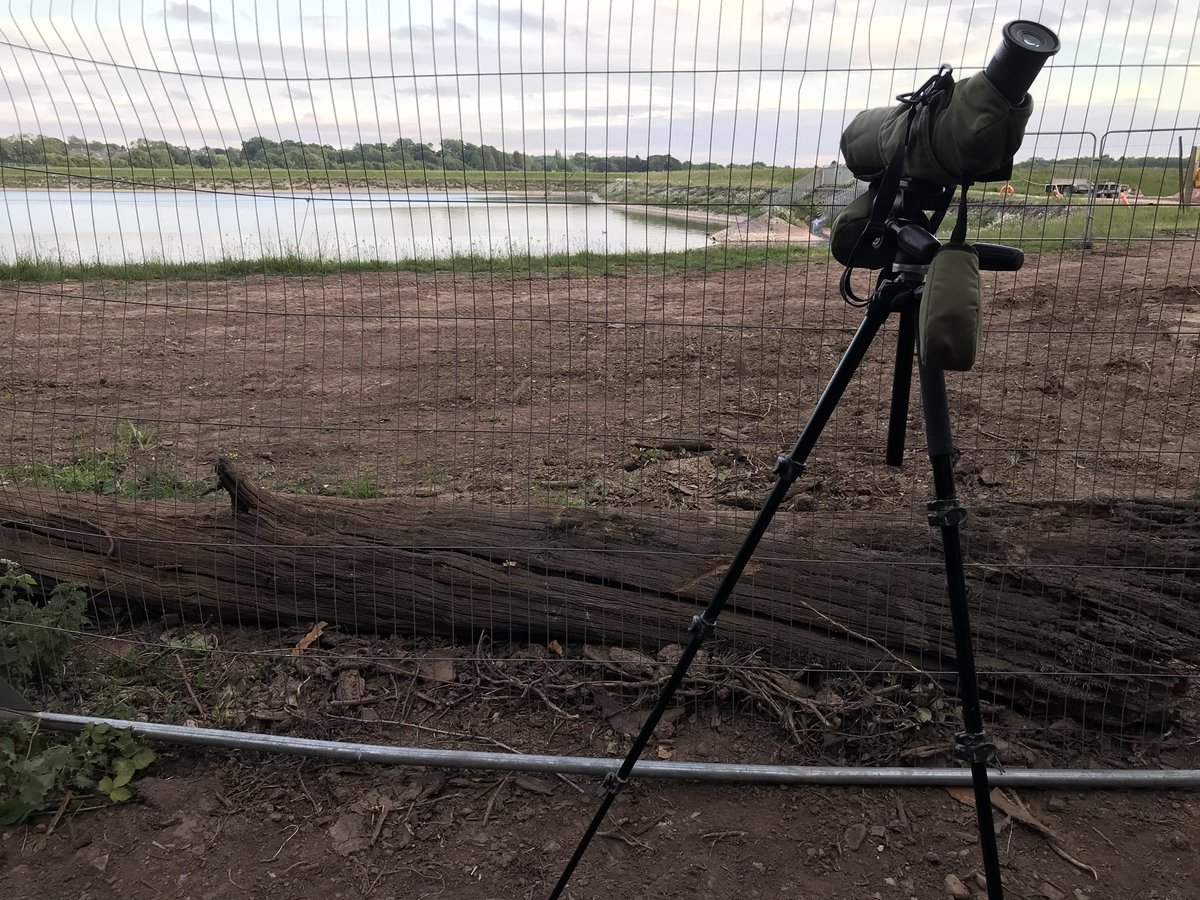 Relaxing after a 10 hour day of Zoom/Skype/FaceTime by staring through some security fencing at a reservoir. #livingthedream pic.twitter.com/0t3GxhnrQH