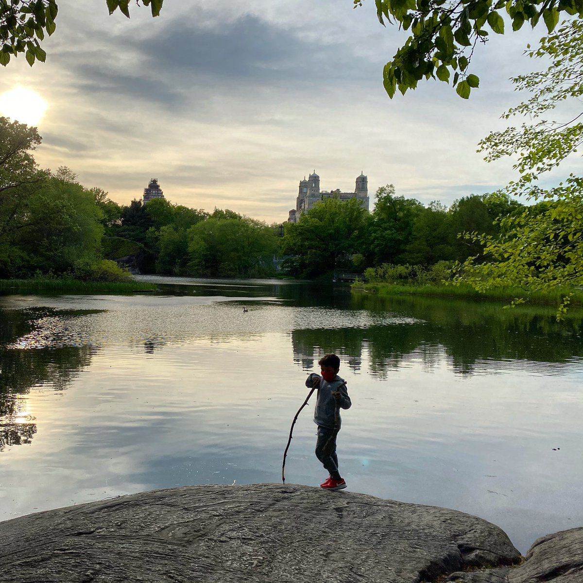 Sunset by Belvedere Lake #CentralPark #nyc #sunset https://t.co/l1Uunm3RNr