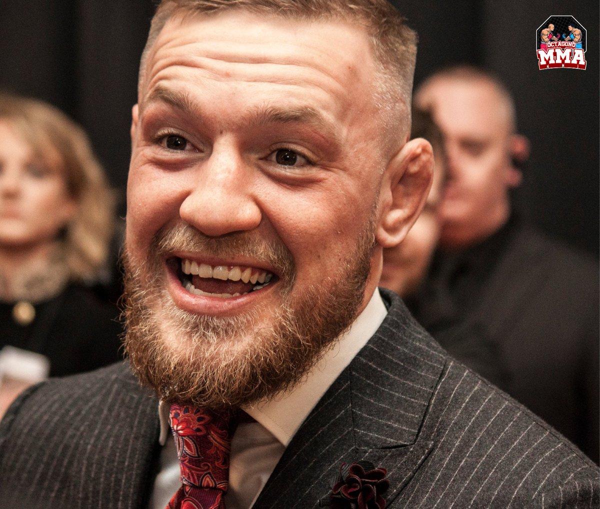 . @TheNotoriousMMA es, sin duda, el nombre más grande en el #UFC. Dana White incluso está en el registro diciendolo. Es el primer luchador no estadounidense en tener 2 títulos mundiales en 2 clases de peso diferentes. 🔥 Link en bio para lo ultimo en #ufcnoticias 🔥 #octagonomma https://t.co/qeArVf0QdS
