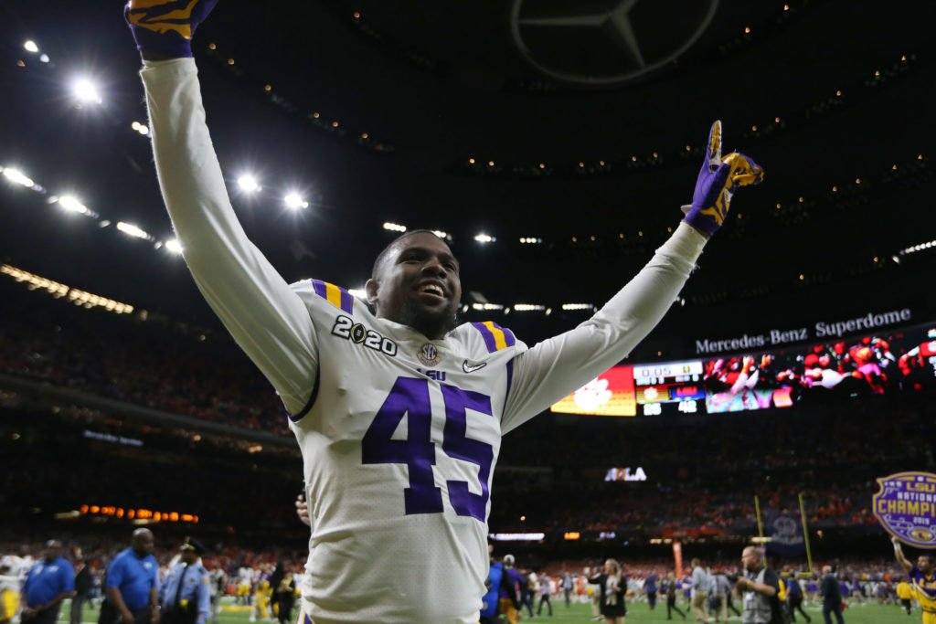 The Bucs have found yet another LSU linebacker, Michael Divinity, who could pay dividends. Divinity, who was passed over in the draft partly because of failed drug tests, owned up to his mistakes, telling our @gregauman, That's not the end of my story. theathletic.com/1820954?source…