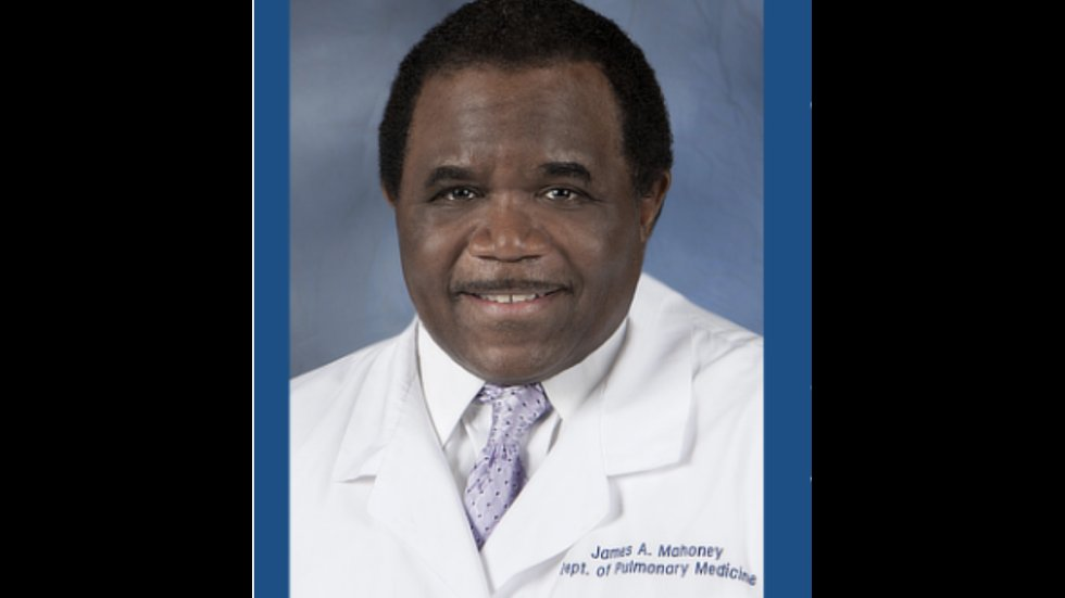 Doctor who delayed retirement to fight pandemic at low-income hospital dies of COVID-19 https://t.co/IdvnH7szE3 https://t.co/8KF7Y4D3GX