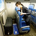 明日から新幹線の特大荷物が事前予約制になるので、ご注意!