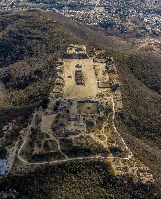 11 HISTOIRE de l'ANCIEN MEXIQUE.<br>La Période Postclassique ou la Décadence