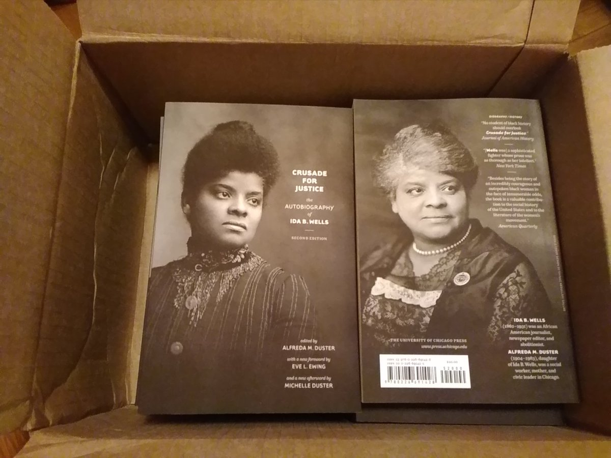The copies of the 2nd edition of my great-grandmother #IdaBWells' autobiography arrived! Woo hoo! It was edited by my grandmother Alfreda & published by @UChicagoPress in 1970. She wrote the intro. I now added an afterword 50 yrs later! 3 generations in 1 book. #CiteBlackWomenpic.twitter.com/TCWrYIYCHF