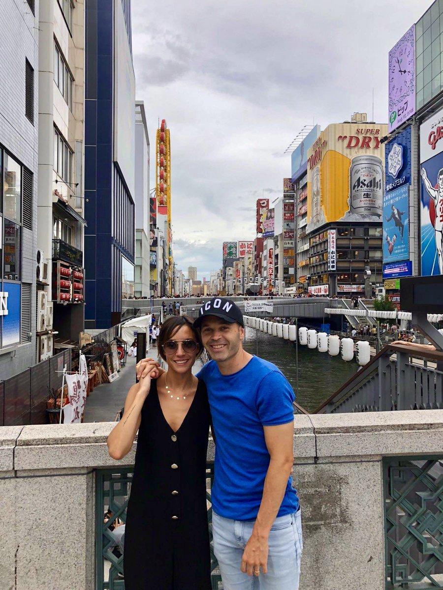 Hace ya casi dos años que llegamos a Japón... ❤️ 🇯🇵 @andresiniesta8  日本に来てからすでにほとんど2年が経ちました ❤️🇯🇵  #throwback #lifeinjapan #ravapas💫
