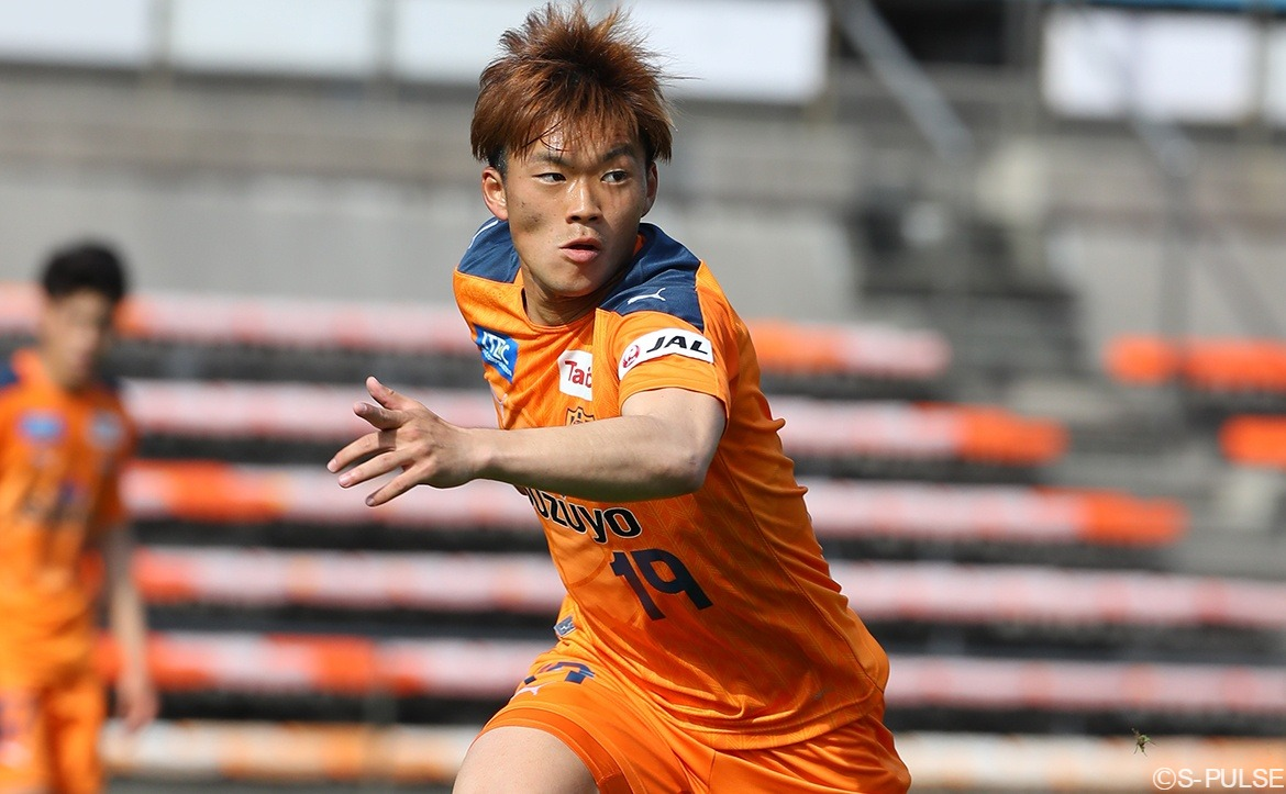 🎂 HAPPY BIRTHDAY! 🎂 It's Jin Hiratsuka's birthday today, so send him your best wishes using the hashtag #HappyBirthdayJIN  Have a great day, Jin!! 🍰🎁🍻🥳🎉 #spulse #HappyBirthday https://t.co/GaATHSloRq