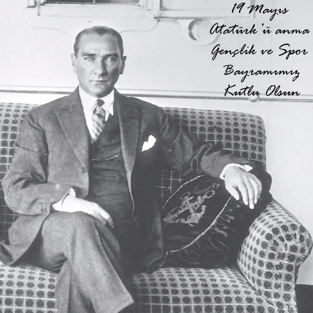 19 Mayıs Atatürk'ü Anma Gençlik ve Spor Bayramımız kutlu olsun! 💫 https://t.co/ZNgEDAZHal
