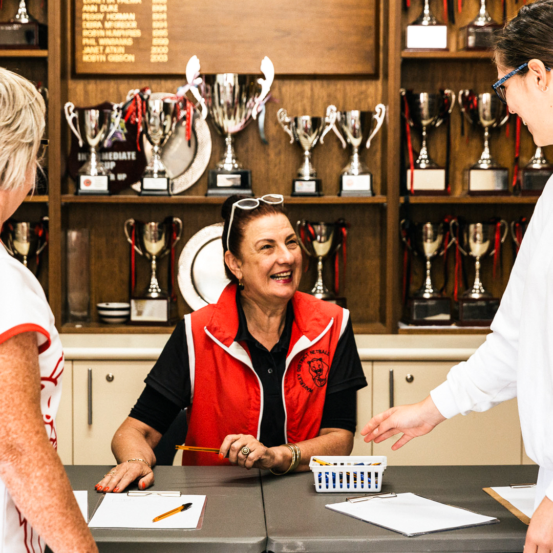 From the local courts on a Saturday morning to the sold arenas of the Suncorp Super Netball league, Netball Australia could not opperate without the hard work of the amazing volunteers around the country.  Thank you for changing communities and lives #NVW2020 https://t.co/Bpd91F78xW
