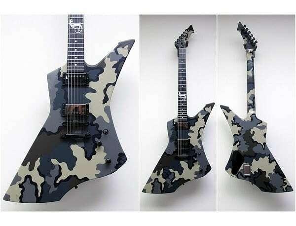 ESP Snakebyte  Camo  . #snakebyte #guitars #hardwiredtoselfdestruct . #guitar_hetfan #Metallica #music #Metal  #mff #metallicafans #metclub  #guitarist  #metallicafamily #espguitars #guitaroftheday #guitarphotography #heavymetal #guitargasm #jameshetfi… https://instagr.am/p/CAXKEpSHF5V/pic.twitter.com/kRBSZrW7ax