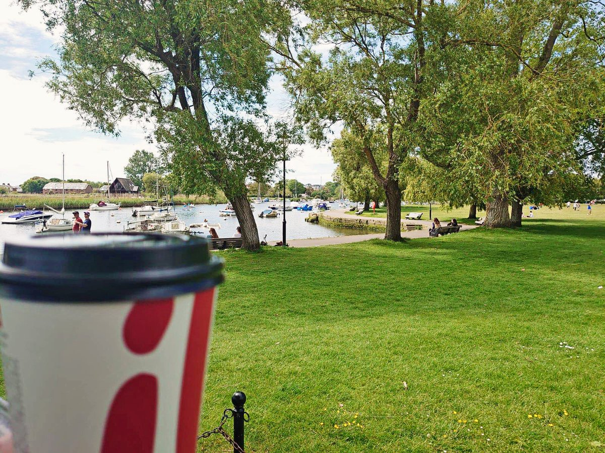 Morning!  Enjoy a proper Illy #coffee on the idyllic #Christchurch Quay, where time really is pleasant  <br>http://pic.twitter.com/pvuCq1iaUZ