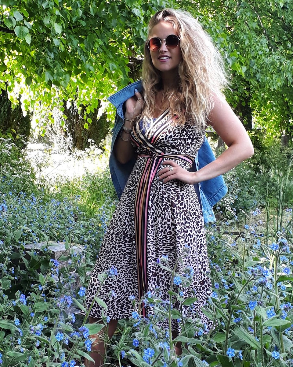 The lovely Daisy enjoying the sunshine yesterday in her home village Linton, wearing the versatile wrap dress by Hale bob  shop the look!  #shopatanna #fashiondiaries pic.twitter.com/hgsYmIcu7L