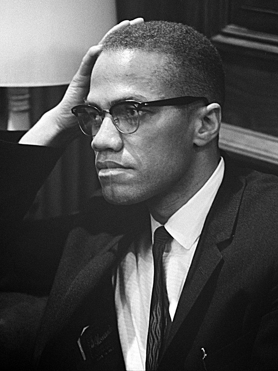 """""""Es gibt keinen Kapitalismus ohne Rassismus"""" Heute vor 95 Jahren wurde Malcom X geboren."""