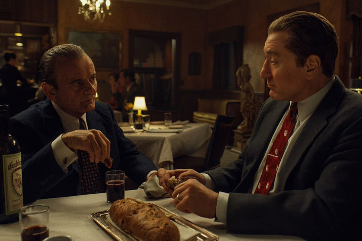 05. The Irishman Genres : Thriller, Biopic, Drame Durée : 3h29 Origine du film :  Réalisateur : Martin Scorsese  Acteurs : Robert De Niro, Al Pacino, Joe Pesci <br>http://pic.twitter.com/Uy4Ze78gBR