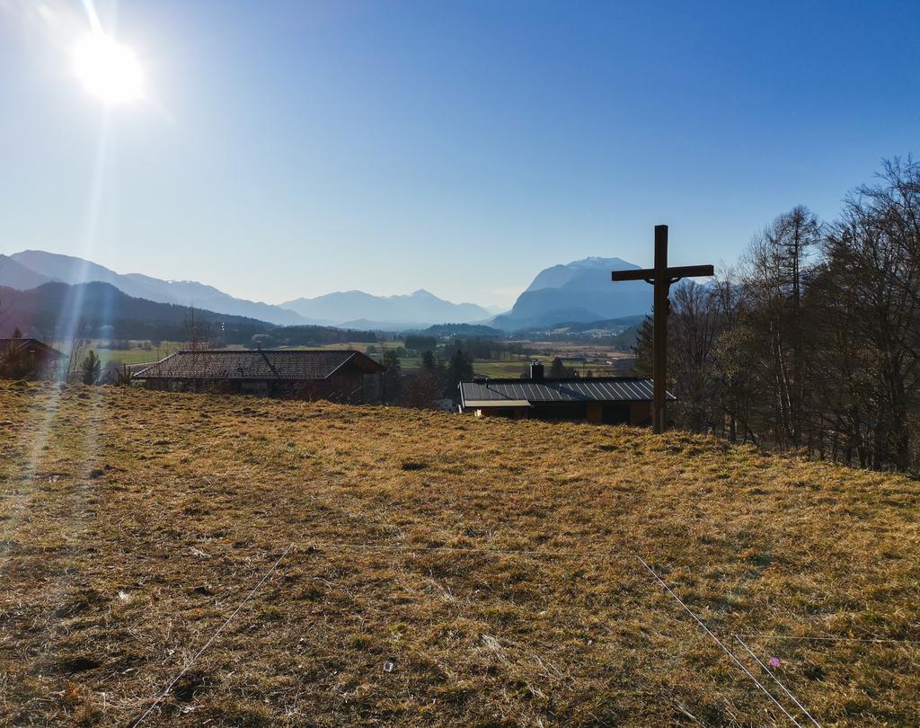 decent view  #decentview #faakamsee #austria #kärnten #tinyhomes  #goodvibe #österreichpic.twitter.com/2HJgeccWca
