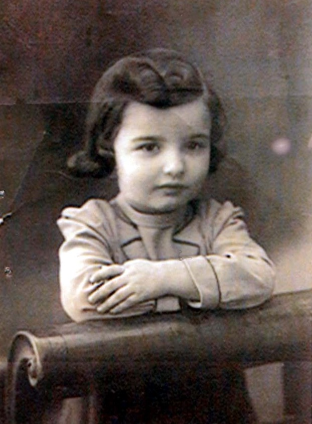 19 May 1938 | Polish Jewish girl Debora Klementynowska was born in Białystok.  In 1943 she was deported to #Auschwitz and murdered in a gas chamber.