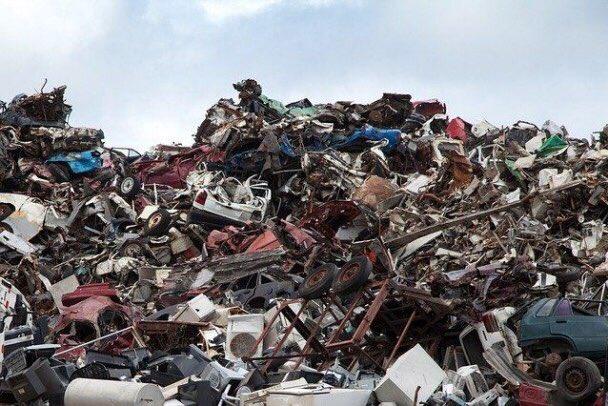 МПБО-2 профукало деньги жителей Янино, накопив горы токсичного мусора