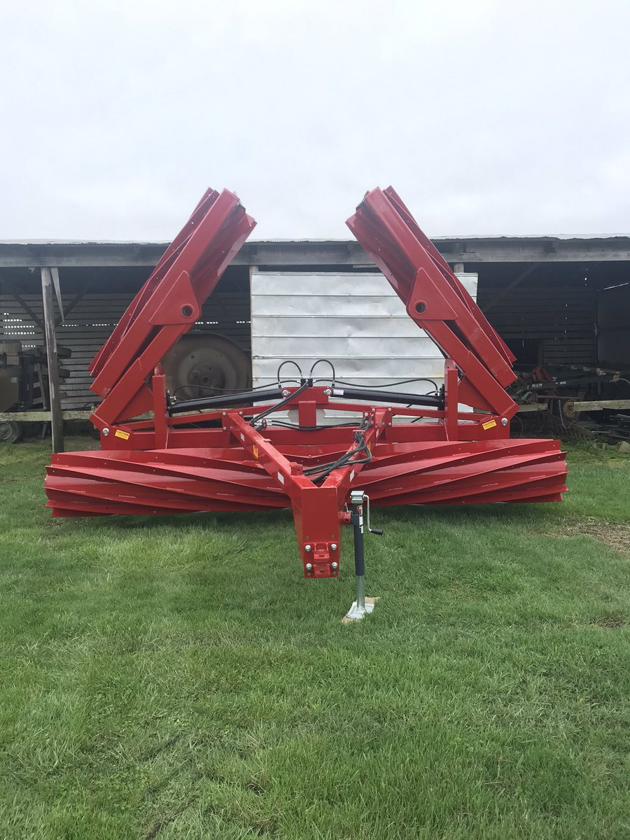 NEW 30 foot I & J Crimper is still available in WC Indiana. If you still have cereal rye growing, this a great option to terminate and lay down the rye. DM me or call Carter at 765-505-8588 for more details. https://t.co/oVhfTZMEBP