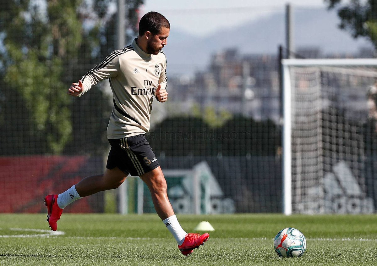 Real Madrid training with the group day 2: Eden Hazard, Valverde, Benzema, Ramos, Marcelo, Nacho, Casemiro, Brahim and Modric <br>http://pic.twitter.com/5jW0juFVgv