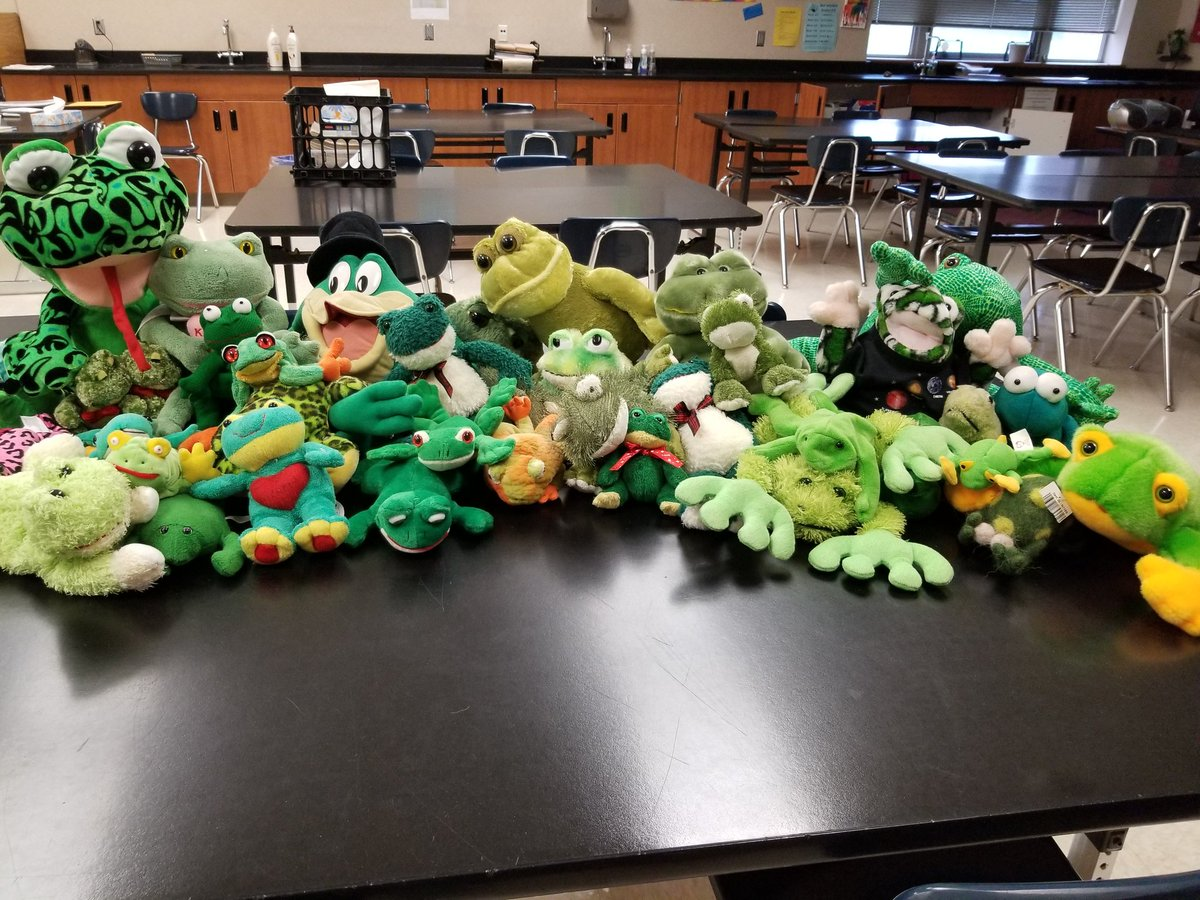 After cleaning up our science classroom yesterday, I wanted to send this to all of my students!  We miss you, have a wonderful summer and we can't wait to see you next year! #sciencerocks #wearebuffett #findthefirstone<br>http://pic.twitter.com/OK1WguZwCC