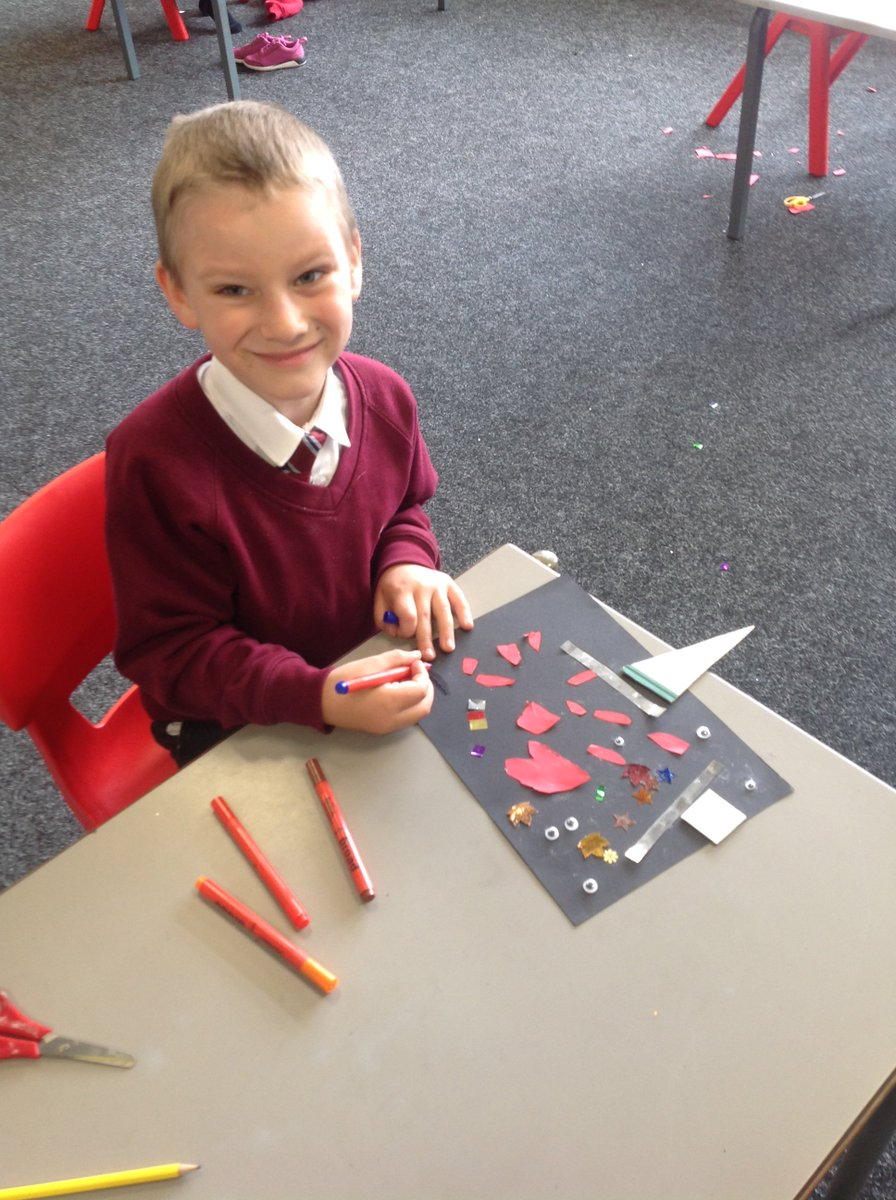 Making art ❤️✂️🖍️ Our pupils of #keyworkers spent some time looking at their community & people who are important to them! They then created some art to reflect how they felt and take home to share with their loved ones. #MentalHealth #COVID19 #positivity