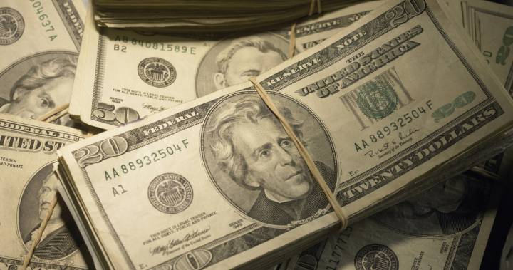 Virginia family out for drive finds nearly $1 million in middle of the road dlvr.it/RWz2l3