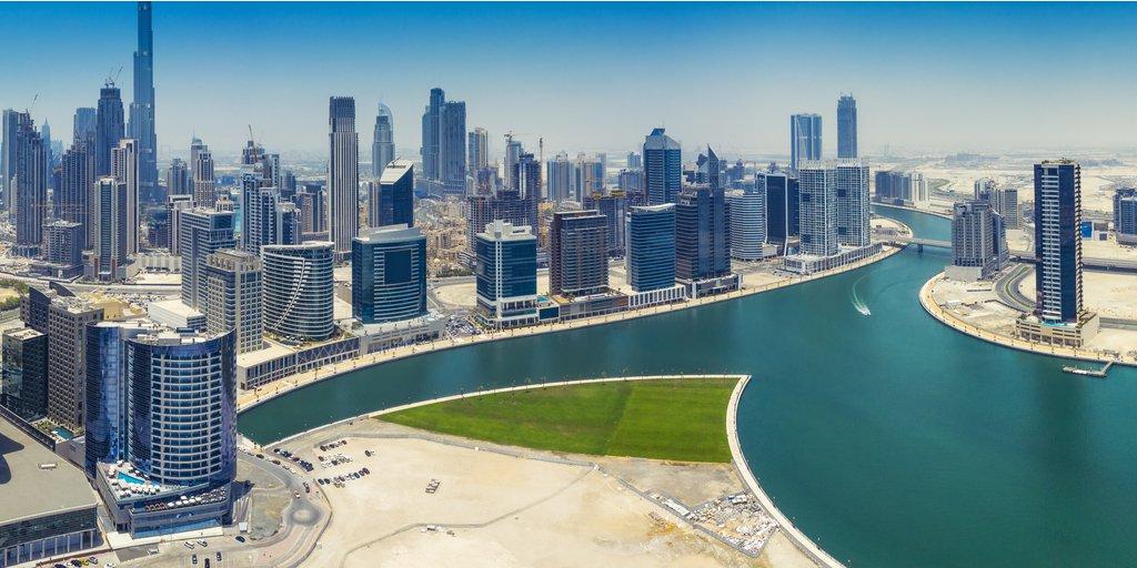 #Dubai has one of the most ultramodern #skyscrapers #landscape on earth pic.twitter.com/wGyHTkPLbI