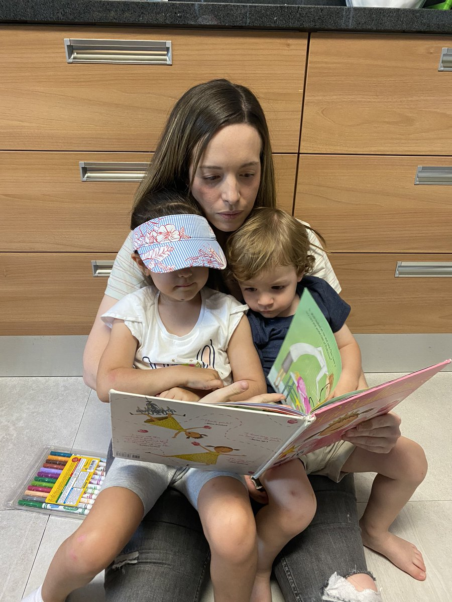 Reading Pinkalicious by Victoria Kann... everyday on repeat! #ASFMspirit #ASFMlearns #distancelearningASFM @ASFM_official @ASFMELEMpic.twitter.com/GBPSJEMUaO