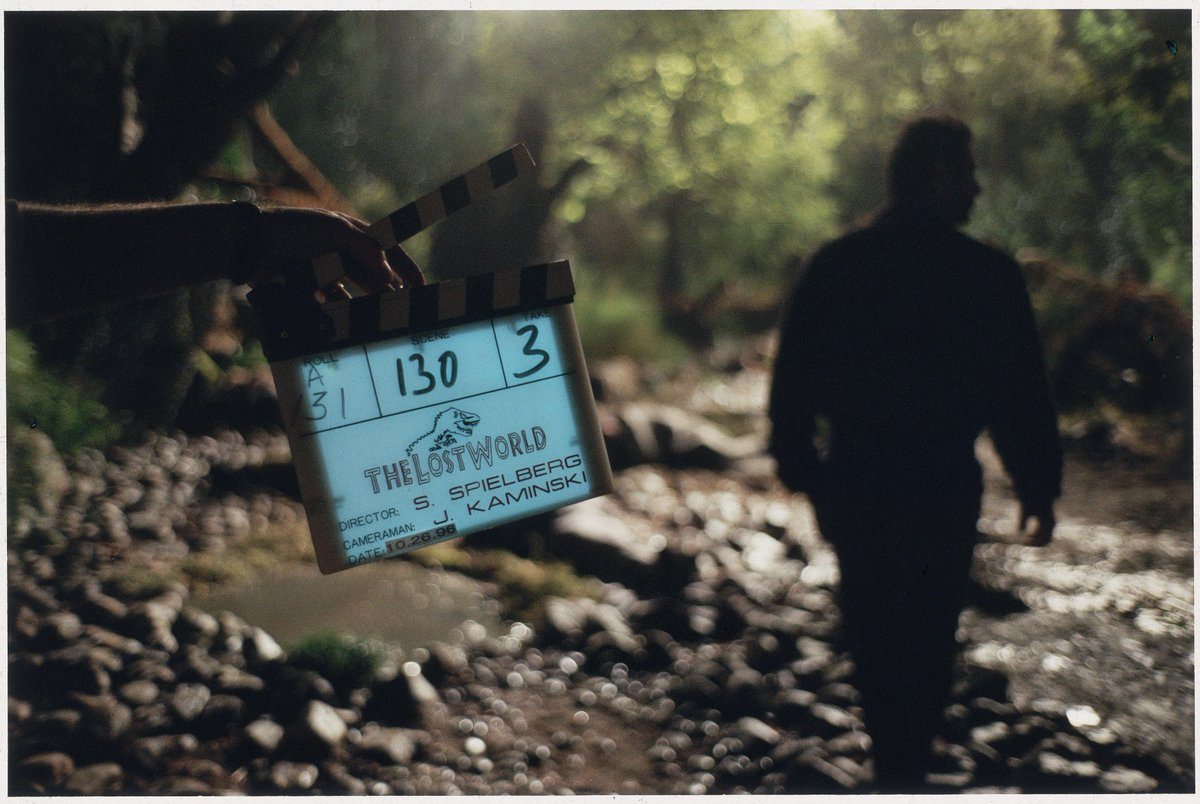 The Lost World: Jurassic Park premiered 23 years ago in theaters! Here are some behind-the-scenes photos from set.