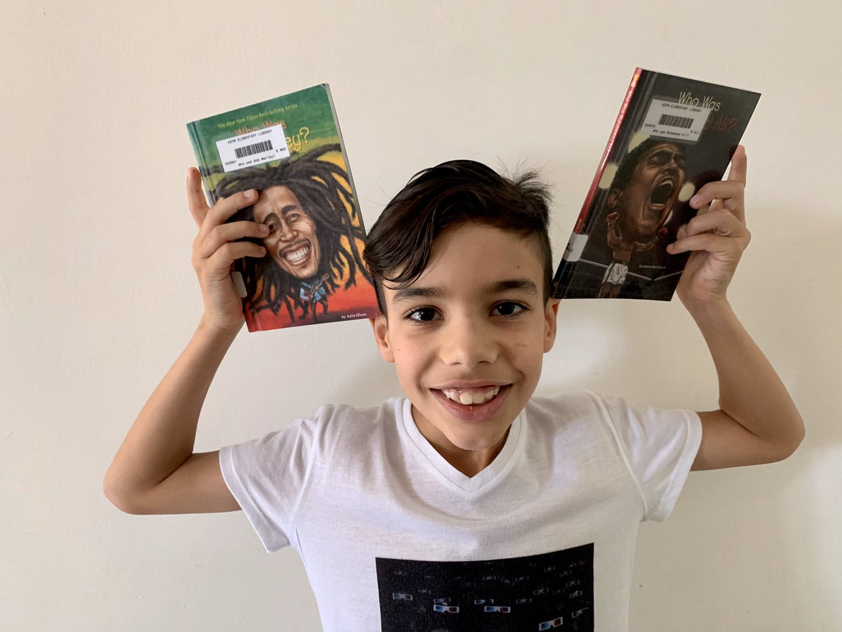 Dario loves to read music or sports biographies. Thanks @FiMora1212 for the books! #ASFMSpirit #ASFMlearns #distancelearningASFM @ASFMELEM @ASFMELEMpic.twitter.com/E5AtXmokEW