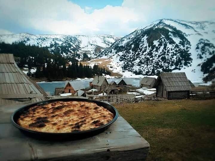 "Bosnian History on Twitter: ""Fresh Bosnian pita in the mountains.… """