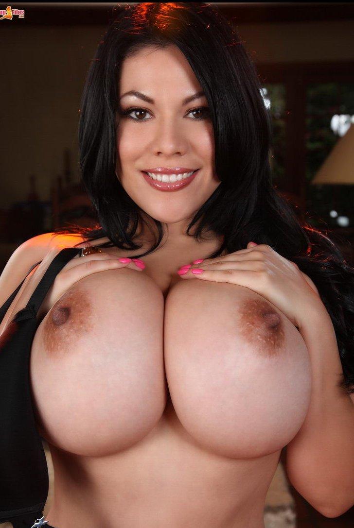 Huge Breast Tgp