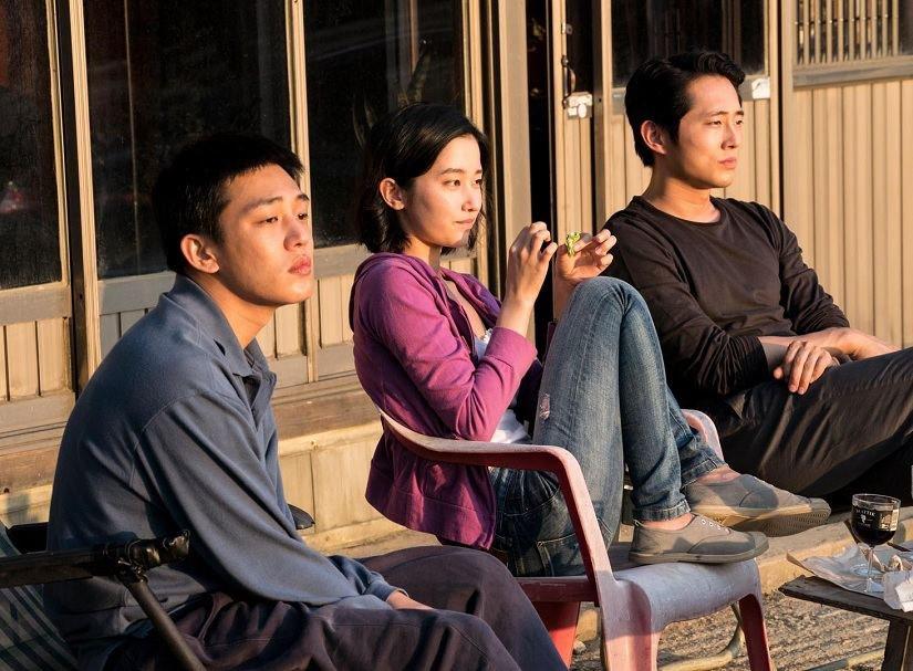 #Cannes2018  C'est l'année où #Burning de Lee Chang-dong a été privé de cette palme d'or qu'il méritait tant.  Plongée sublime dans un labyrinthe mental, entre thriller et romance. Voyage sensoriel aux atours à la fois enchanteurs et mystérieux.  Qu'il a fait bon de s'y perdre ! https://t.co/XjfJ1ybJjm