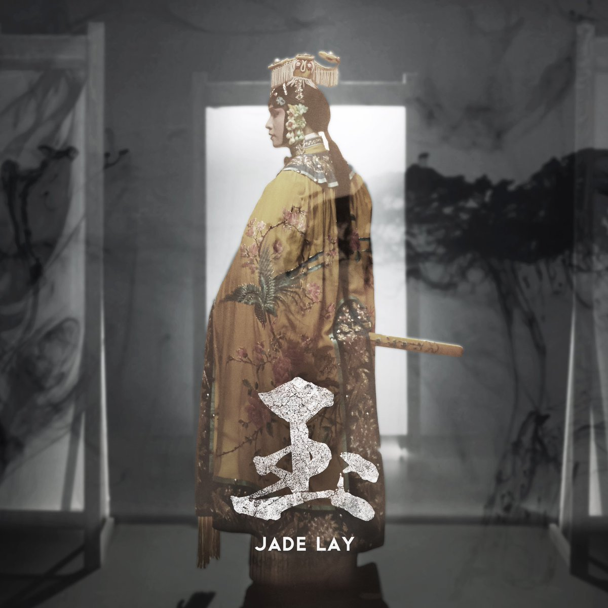 Hi everyone my new single JADE is out now! CLICK TO LISTEN ➡️ LAYZhang.lnk.to/LAY_Jade