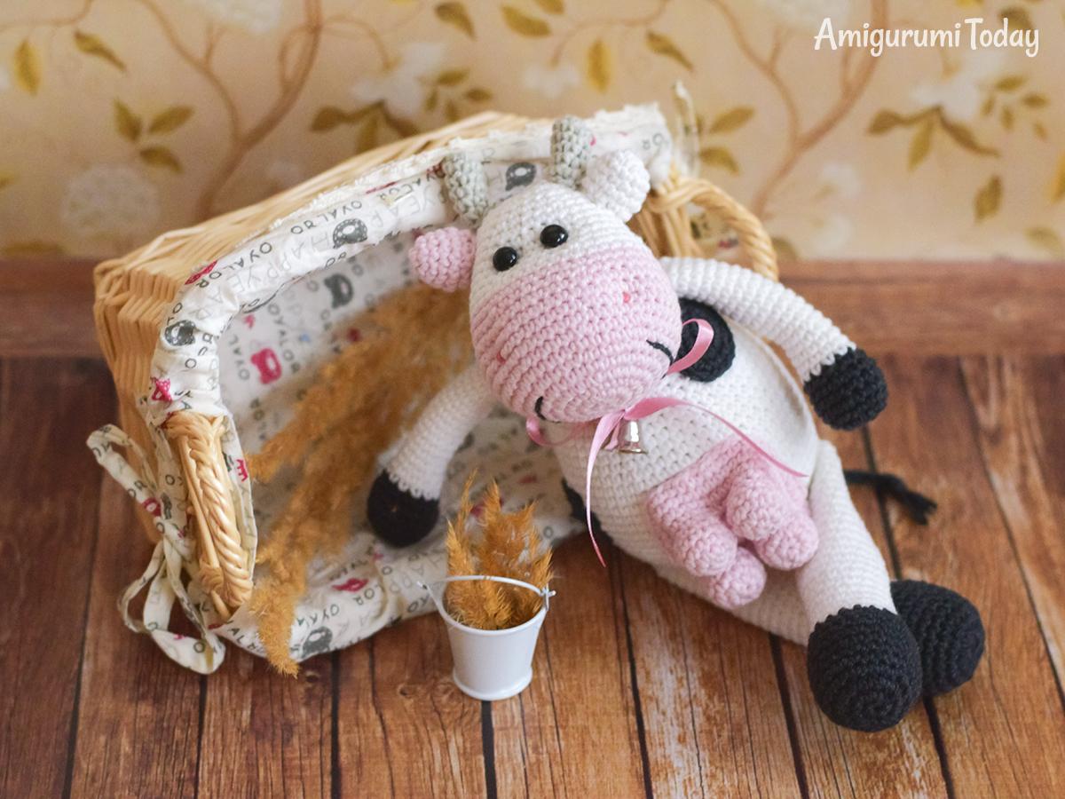 Cuddle Me Elephants 🐘🌸🌷 crocheted by... - Amigurumi Today ... | 900x1200